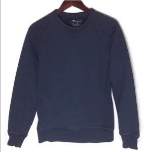 GAP thick navy blue crew neck sweater size small
